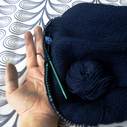 Knitting with indigo cotton